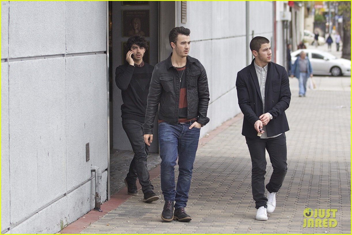jonas brothers guitar center 15