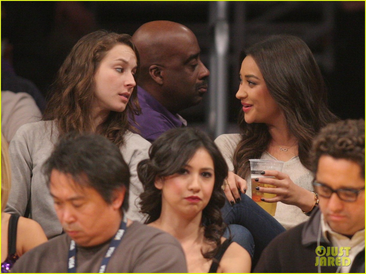 shay mitchell troian bellisario lakers game girls 09