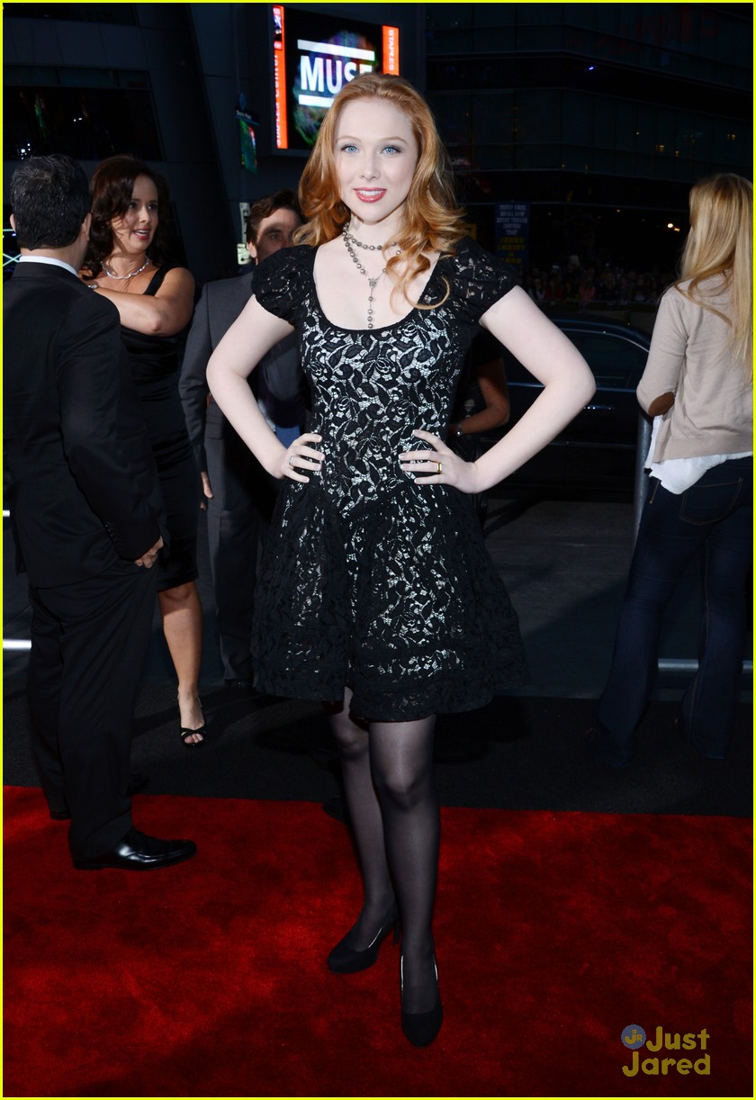 molly quinn pcas 2013 06