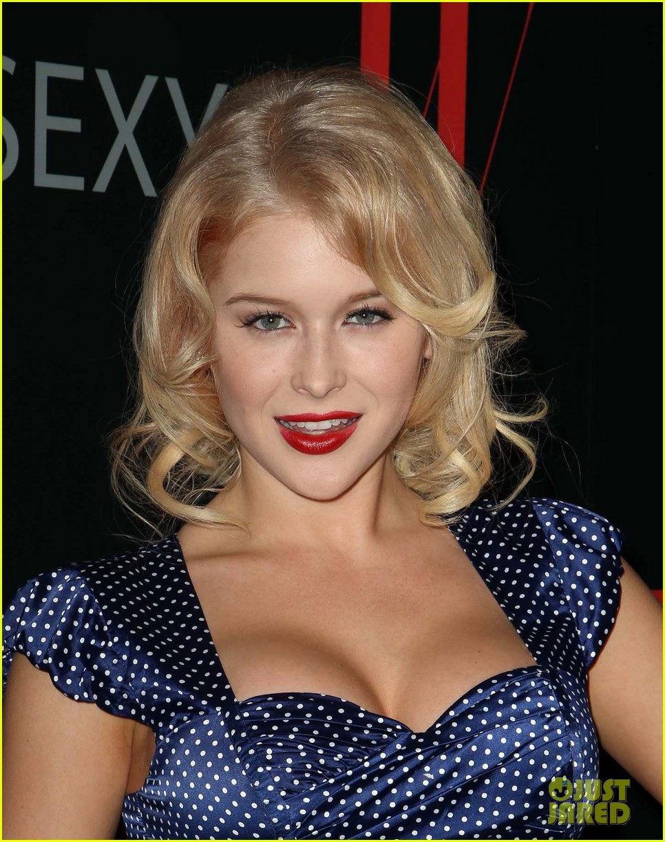 renee olstead christian serratos 30 years of fashion and film red carpet 04