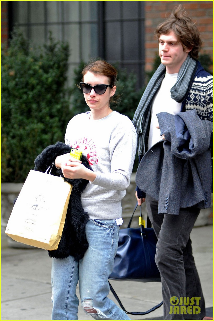 emma roberts evan peters nyc couple 03