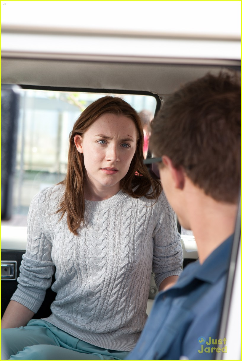 saoirse ronan new host stills 02