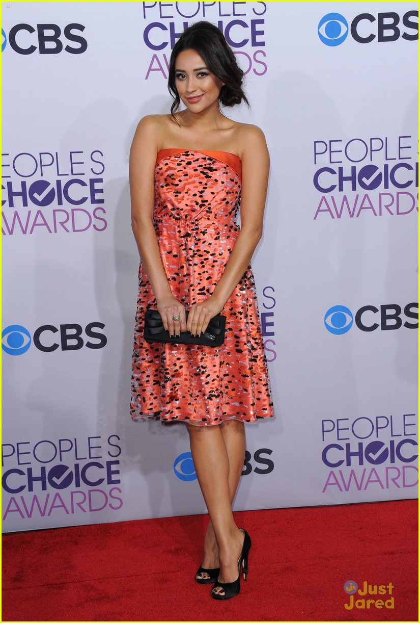 shay mitchell pcas 2013 16