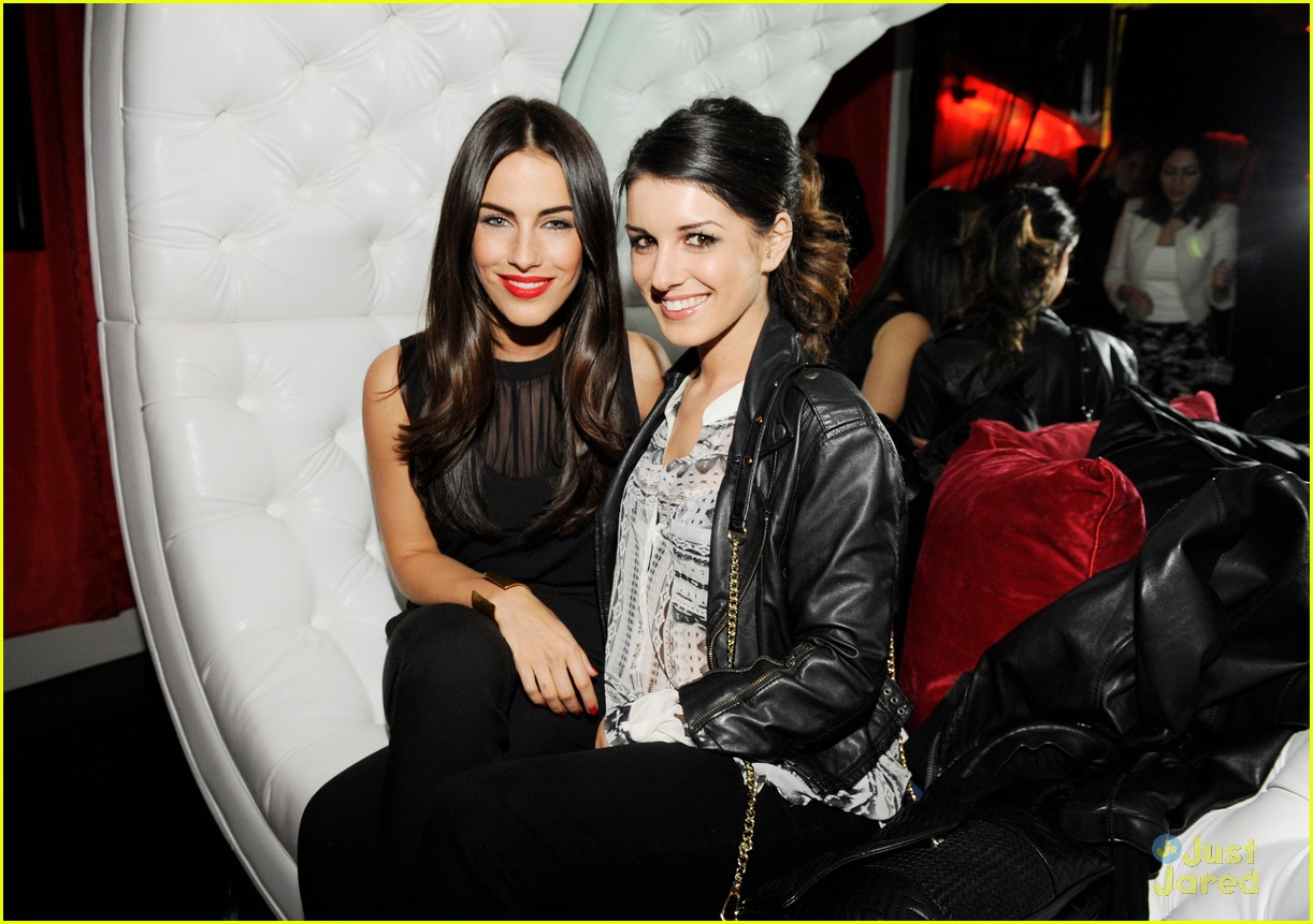 shenae grimes josh beech becks sapphire 05
