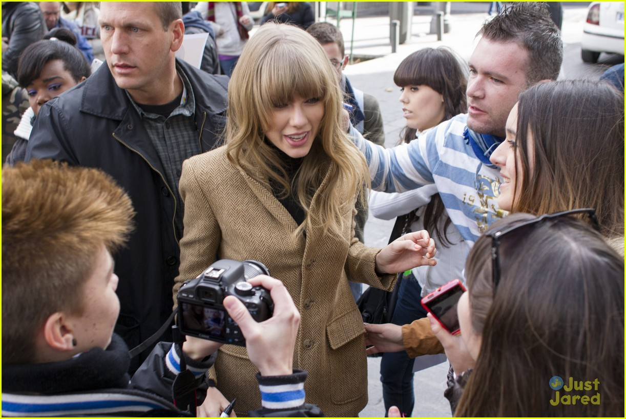 taylor swift rapunzel ad madrid 01