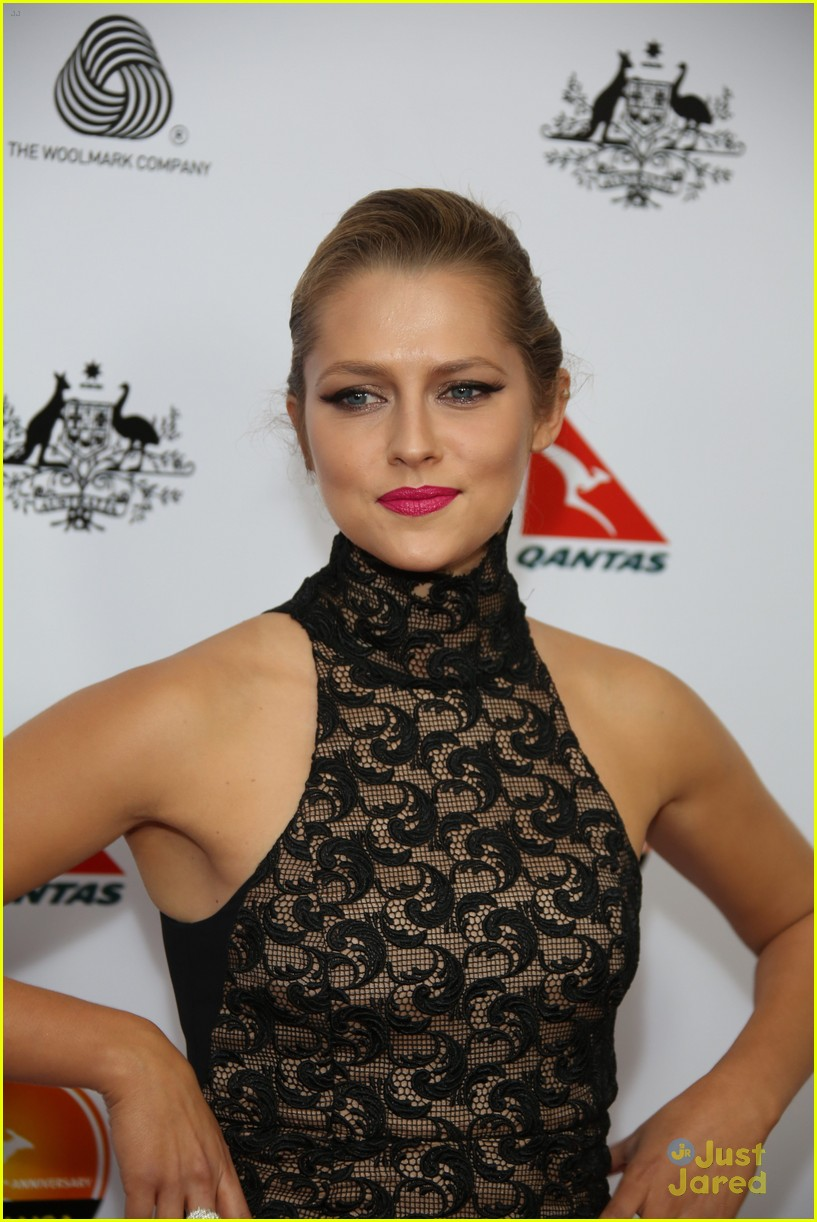 teresa palmer gday instyle party 02