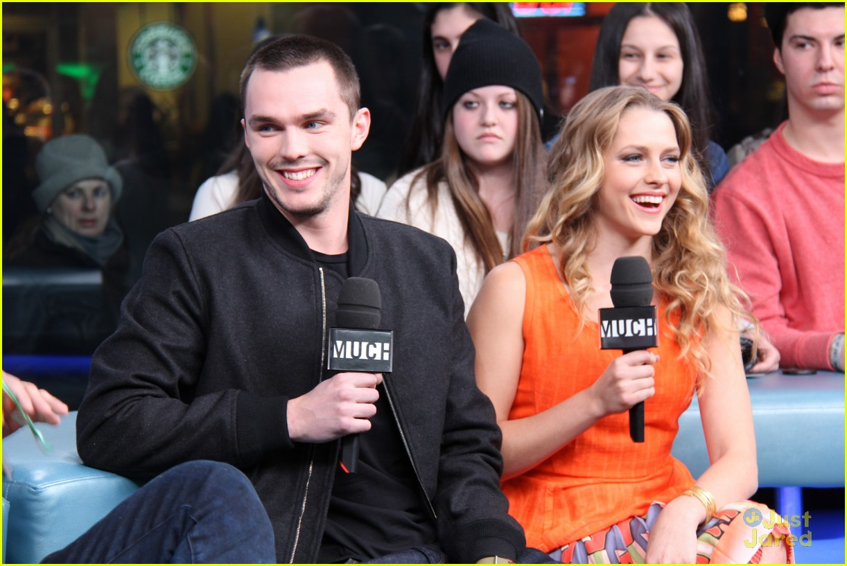 teresa palmer nicholas hoult nml 08