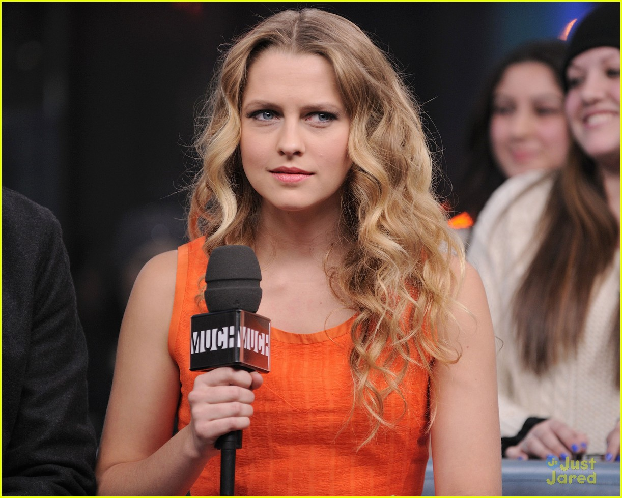 teresa palmer nicholas hoult nml 22