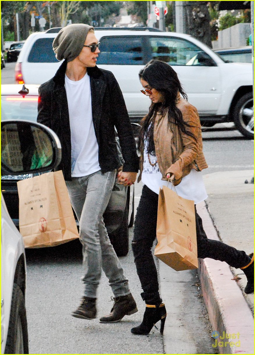 vanessa hudgens austin butler allsaints 12