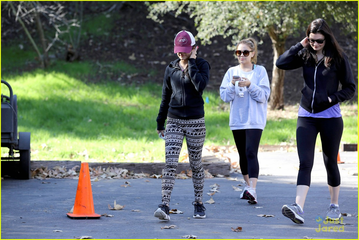 vanessa hudgens hike stella friend 10