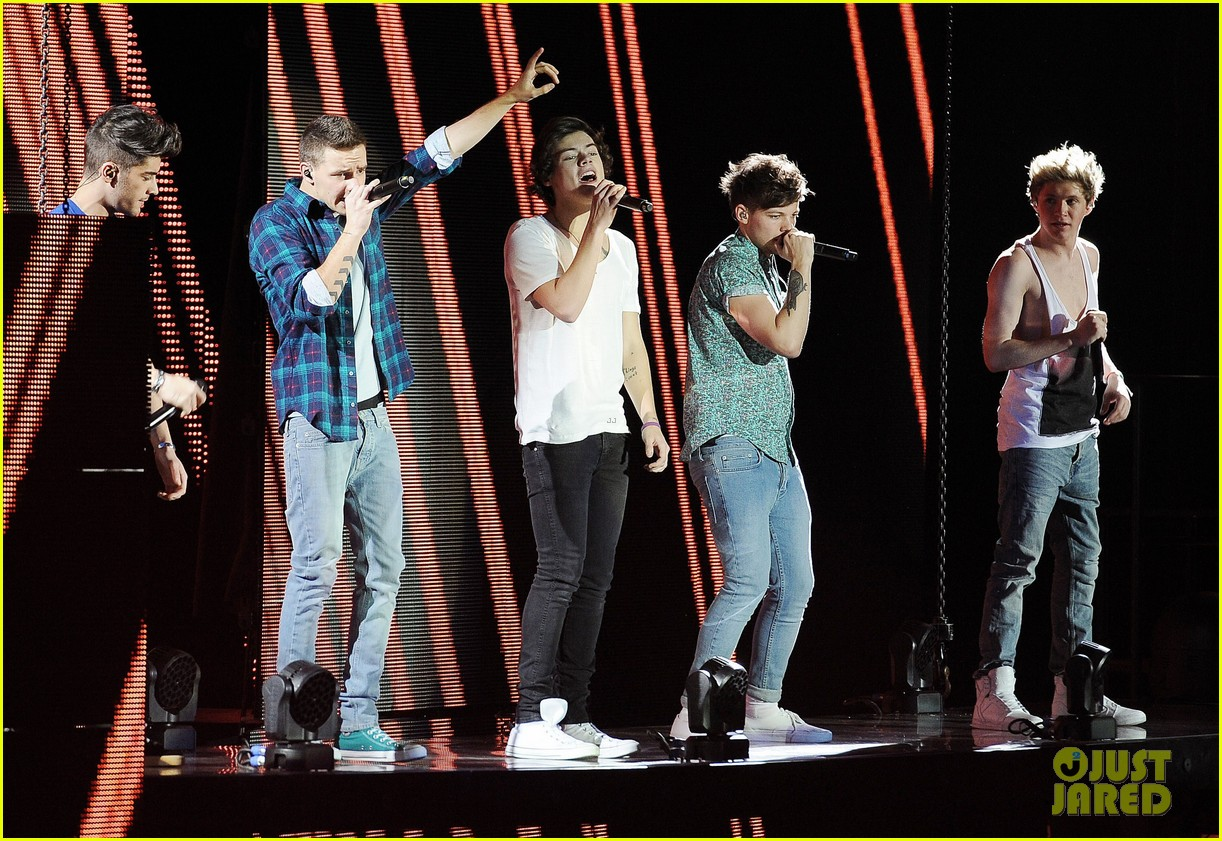 one direction o2 arena performance 43