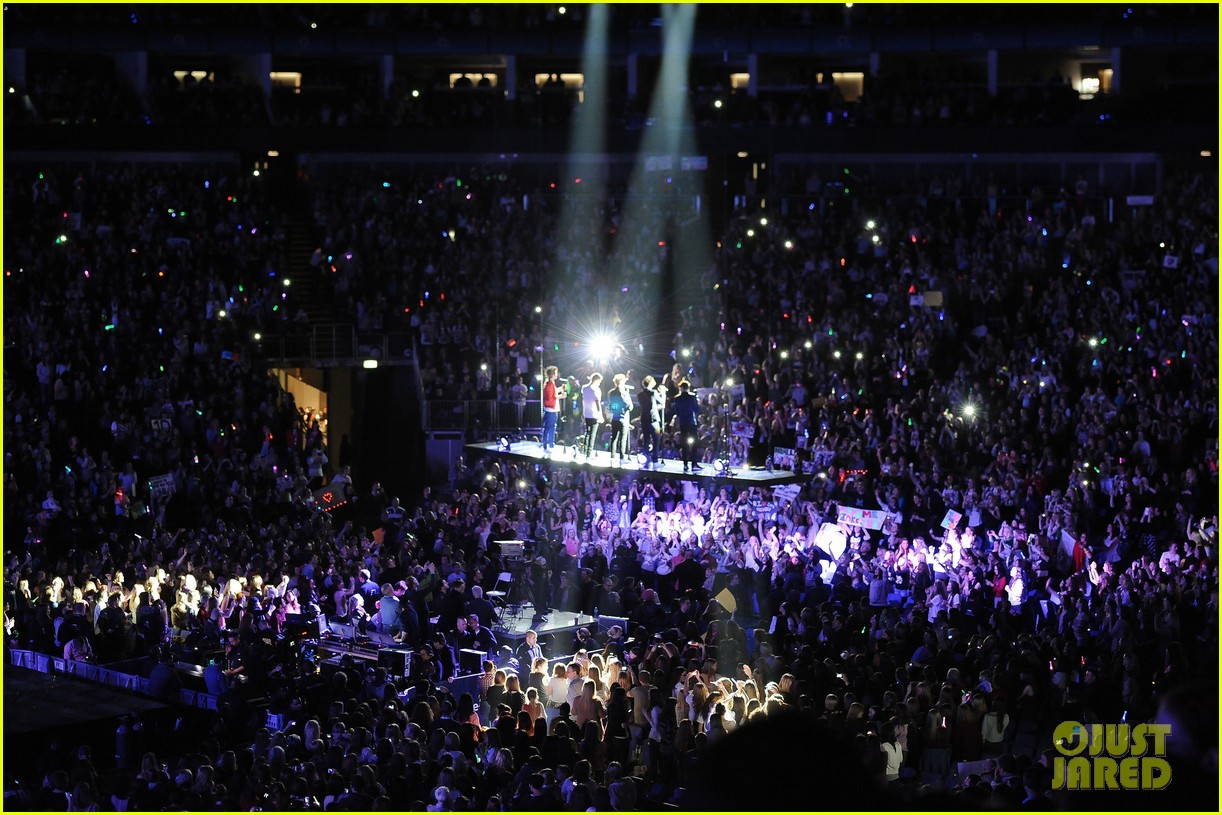one direction o2 arena performance 48