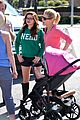 Ariel-julie ariel winter julie bowen farmers market meet up 12