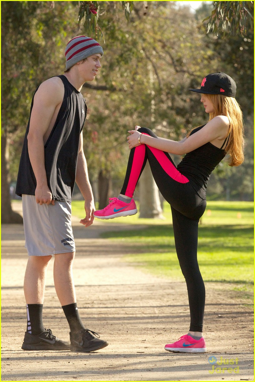bella thorne tristan klier park workout 02