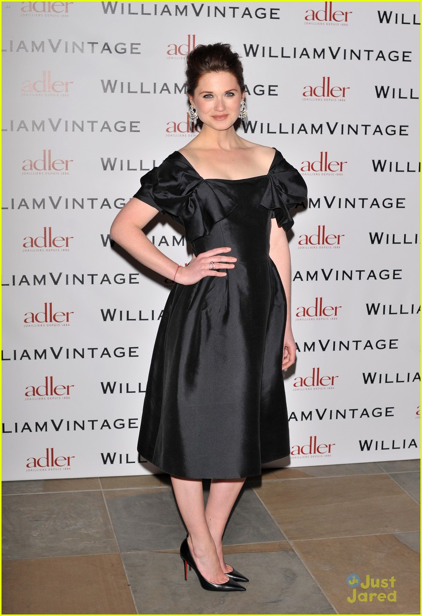 bonnie wright william vintage dinner 08