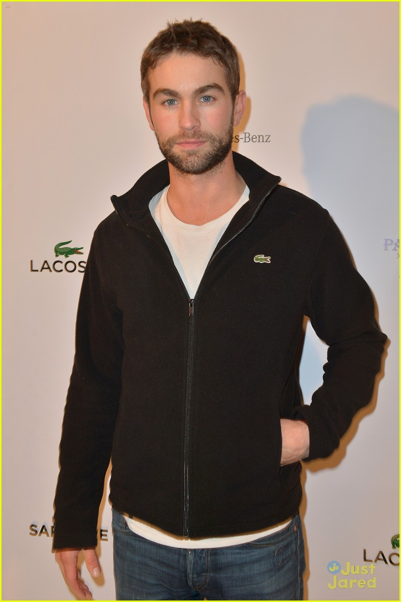 chace crawford super bowl saturday night 07