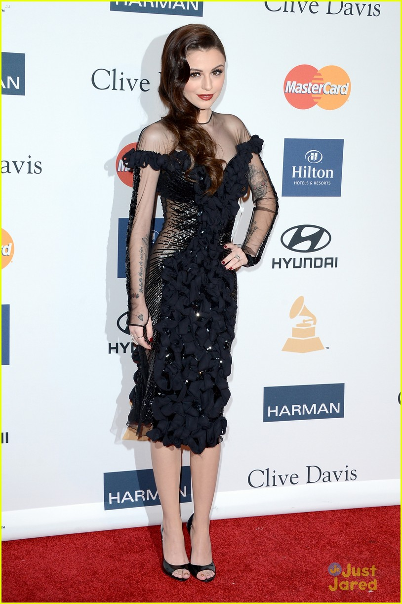 cher lloyd clive davis grammy party 01