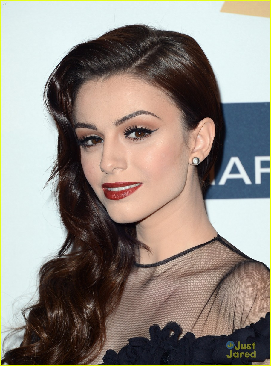 cher lloyd clive davis grammy party 06