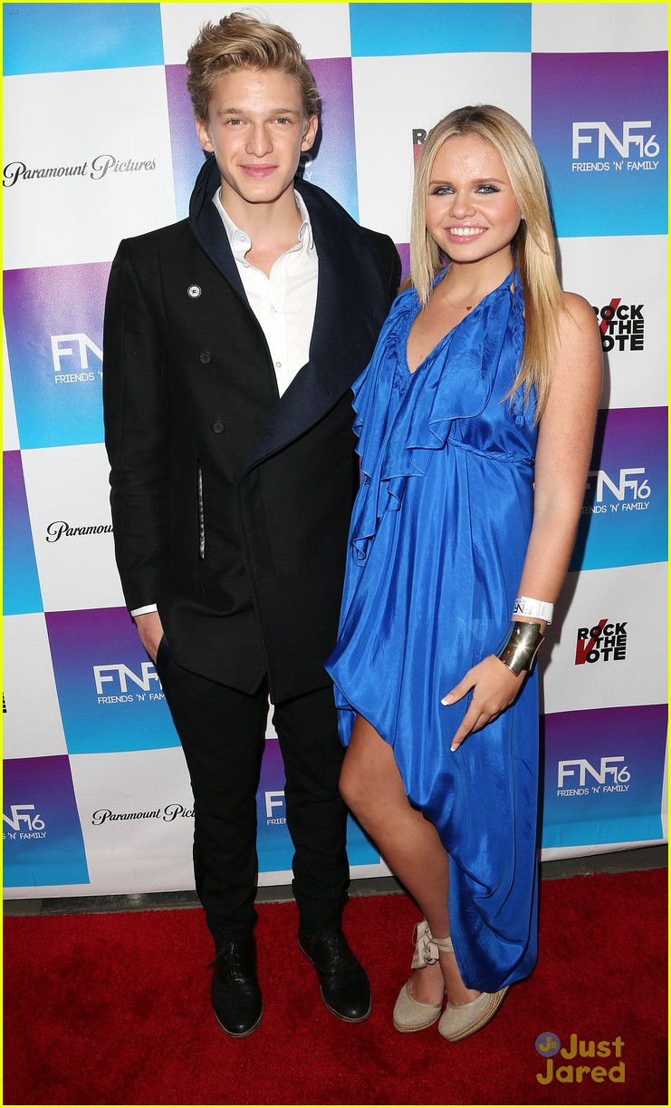 cody simpson friends family pregrammy 01