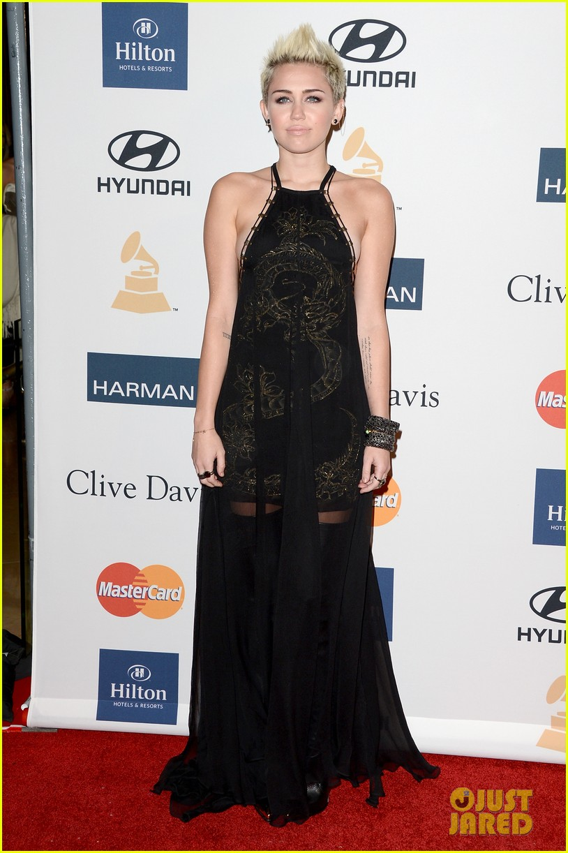 miley cyrus pre grammy party 01
