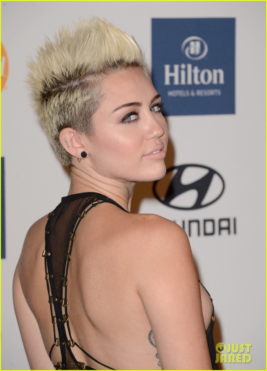 miley cyrus pre grammy party 04