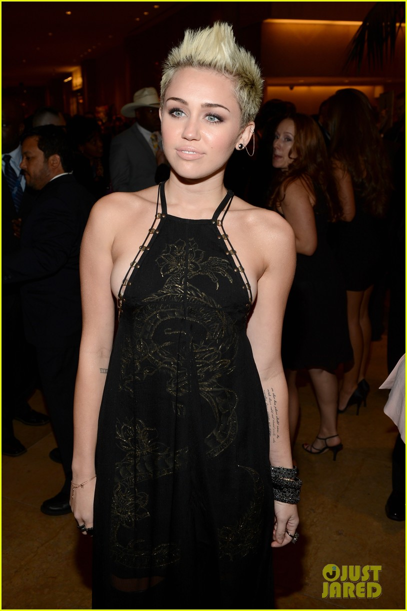 miley cyrus pre grammy party 09
