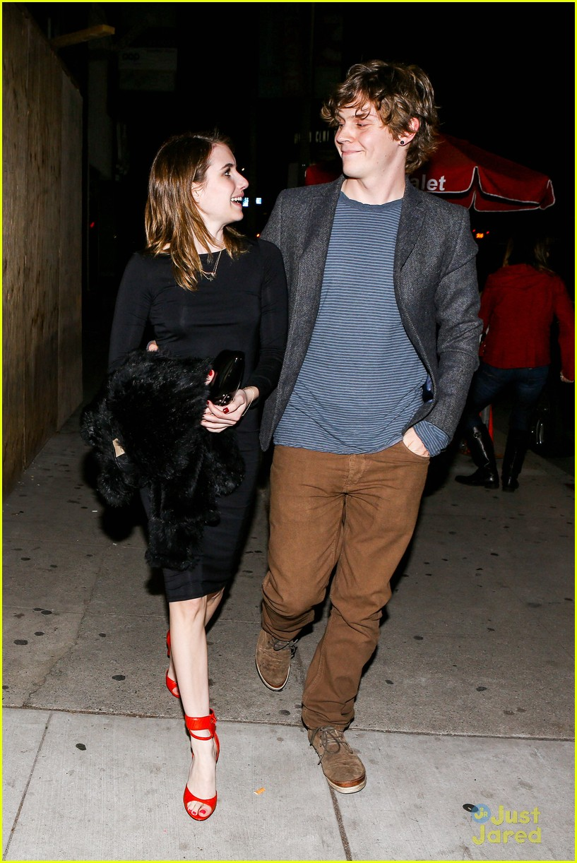 emma roberts evan peters vday dinner 02