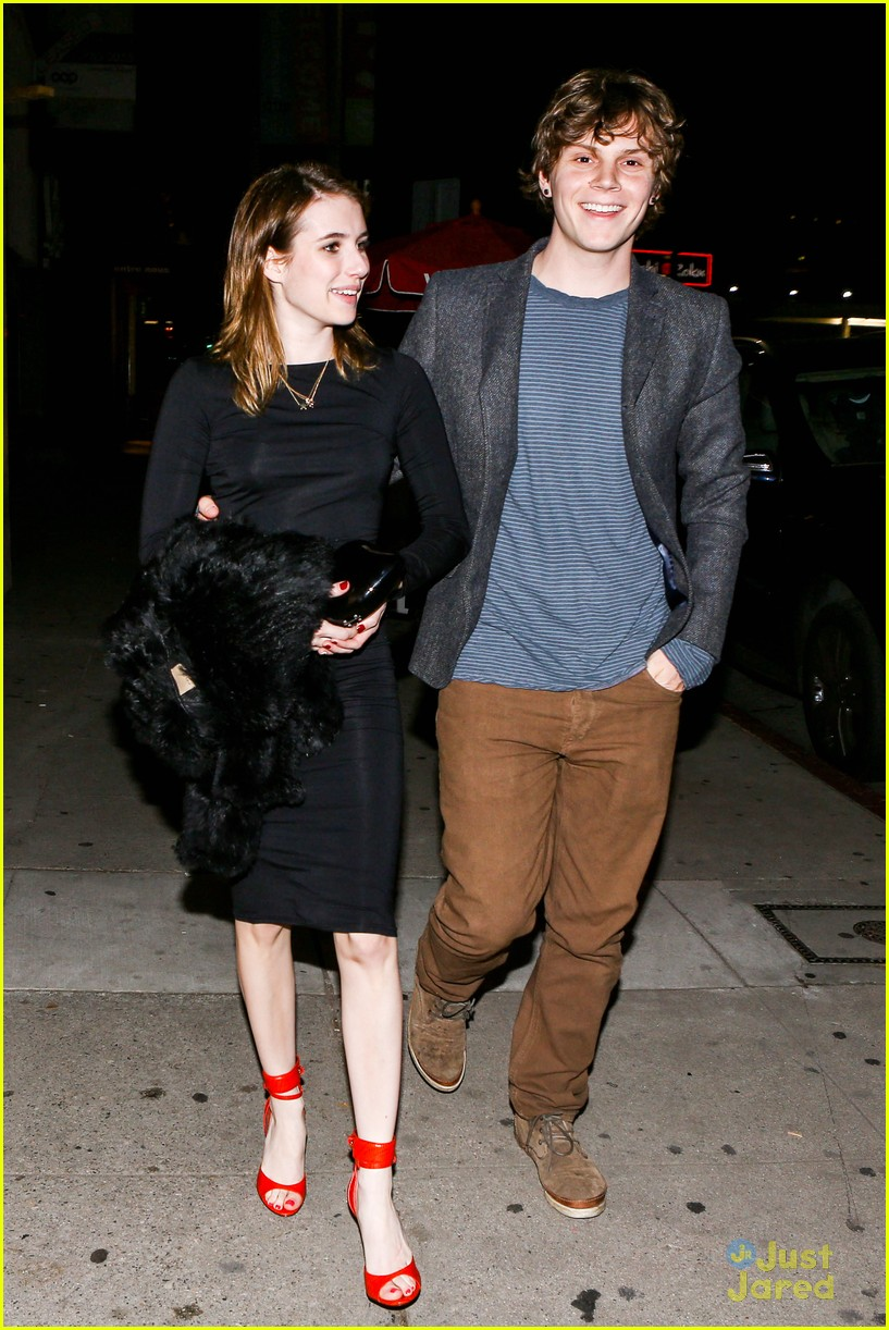 emma roberts evan peters vday dinner 03