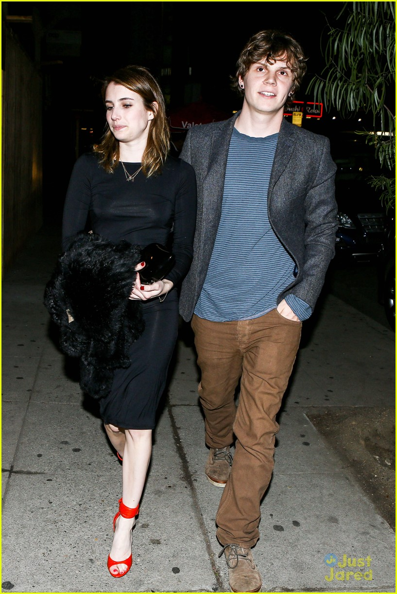 emma roberts evan peters vday dinner 10