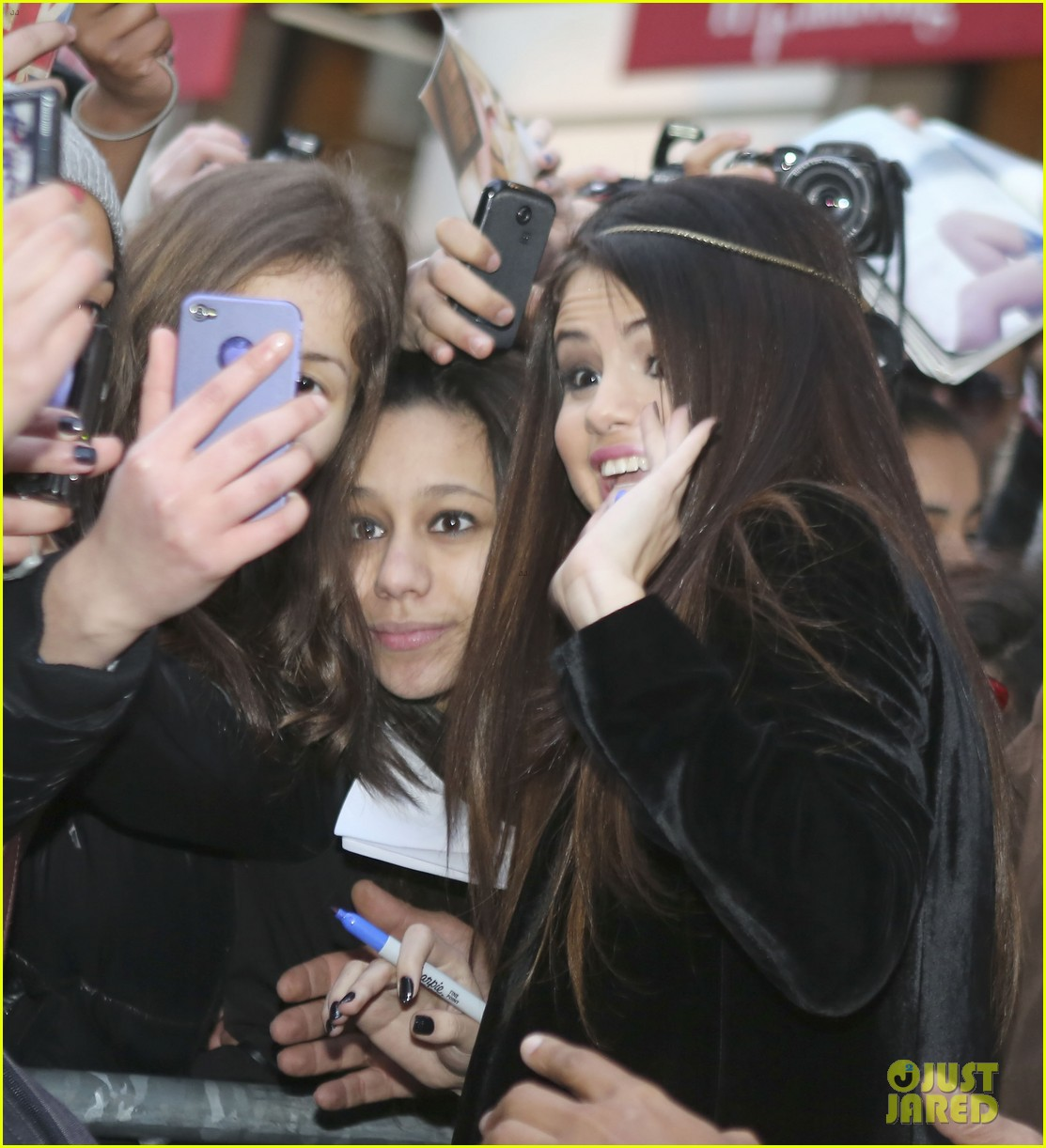 selena gomez pretty in paris 03