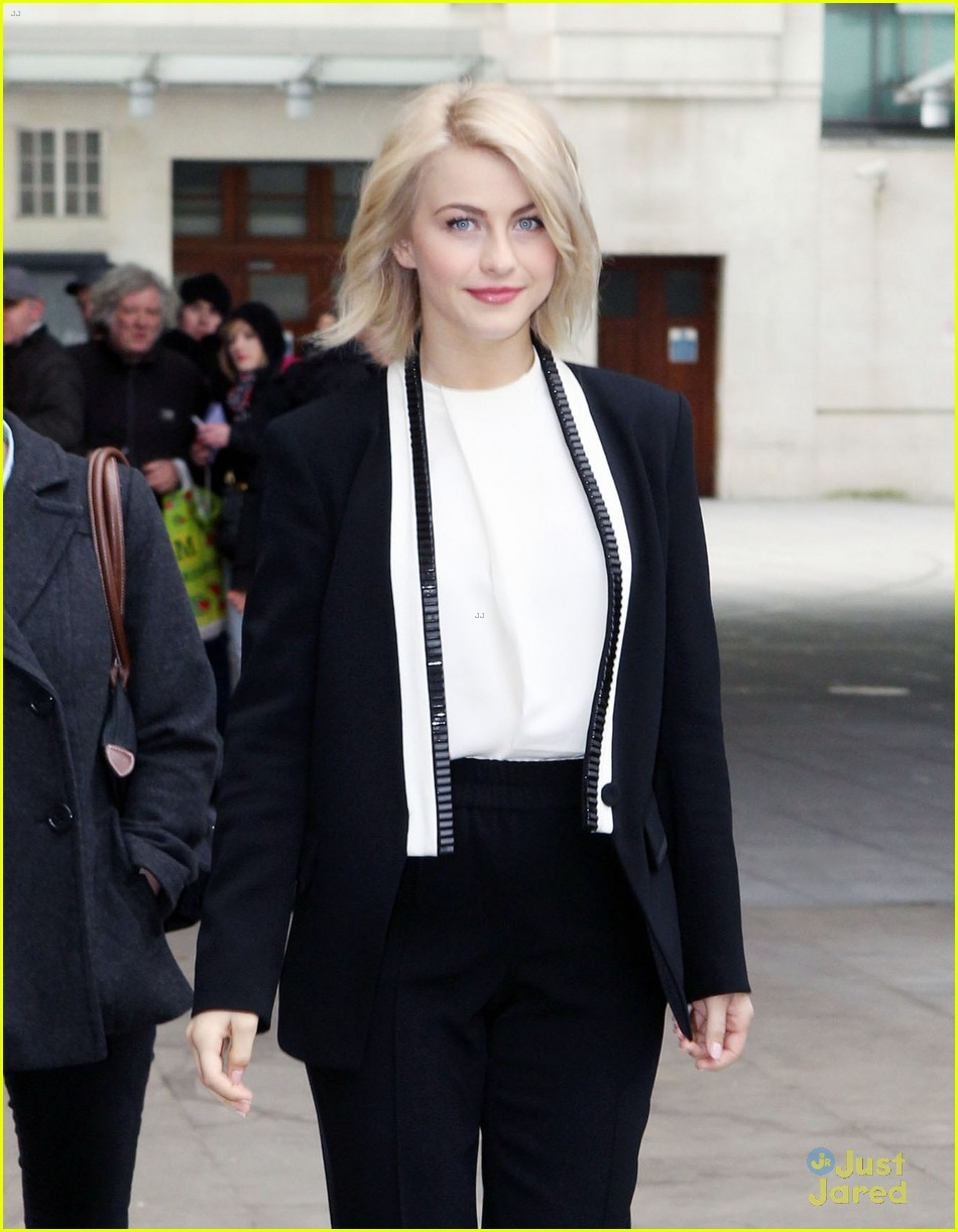 julianne hough safe haven london promo 14