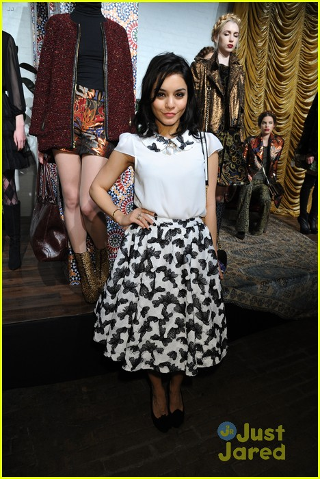 vanessa hudgens alice olivia fashion show 06