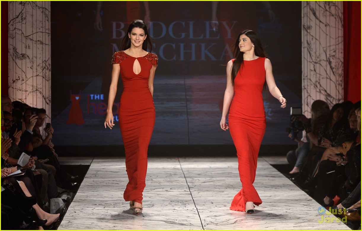 kendall kylie jenner heart truth red dress fashion show 2013 19
