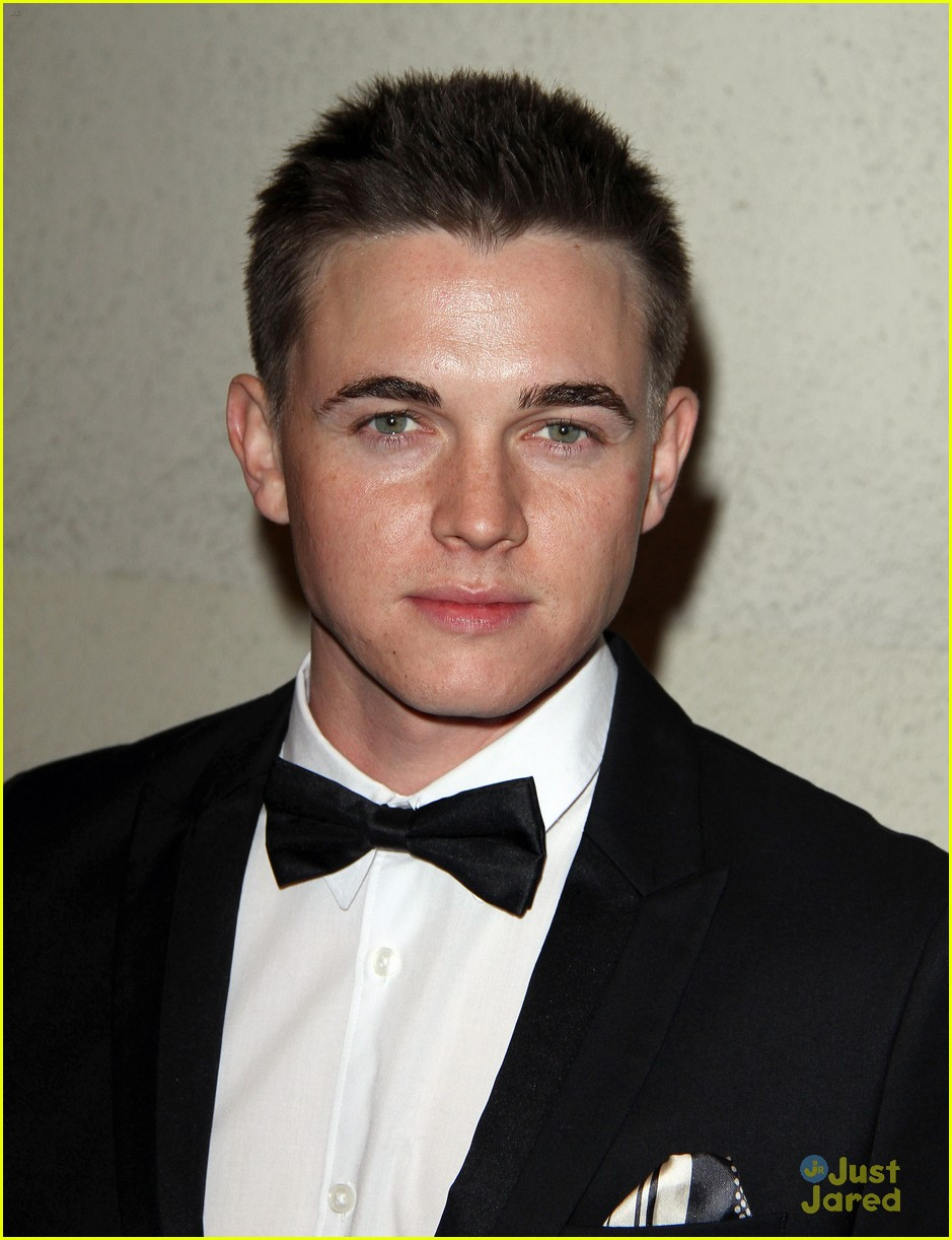 jesse mccartney lucy hale friends grammy 08