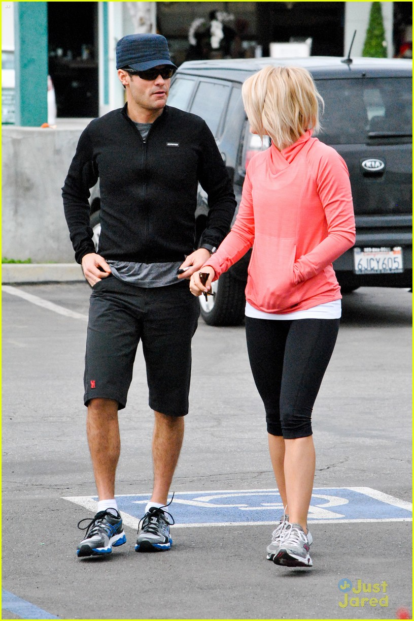 julianne hough coffee run 04