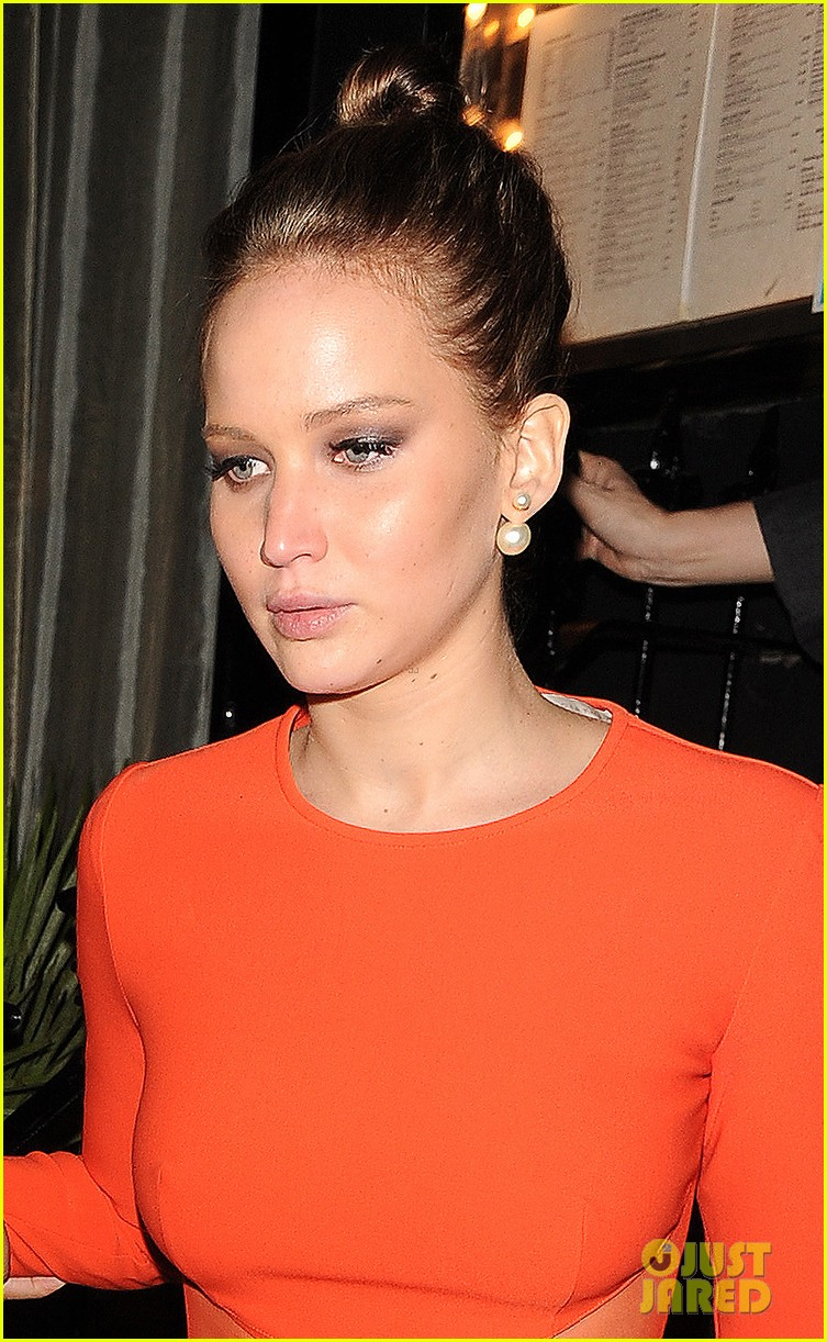 jennifer lawrence lovely london dinner 09