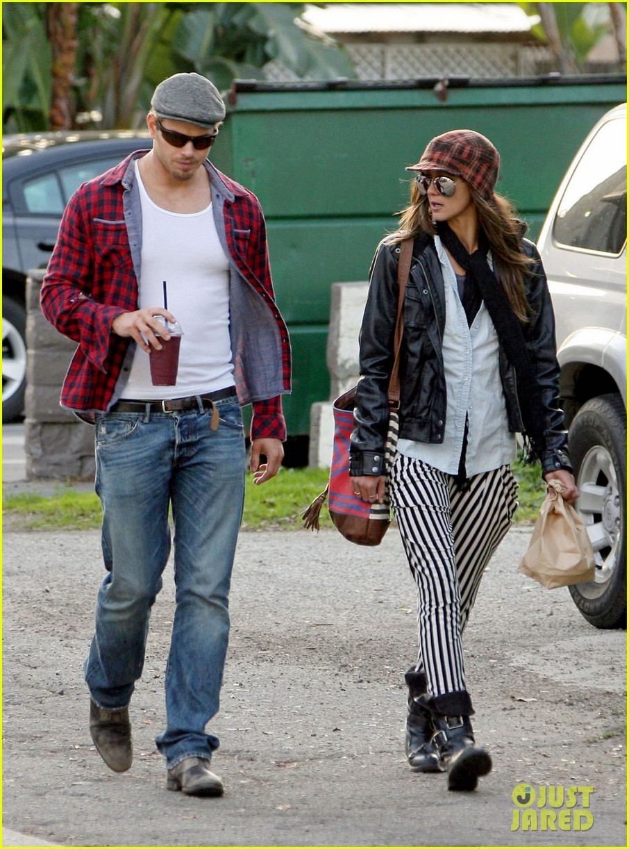 kellan lutz sharni vinson smoothie couple 01