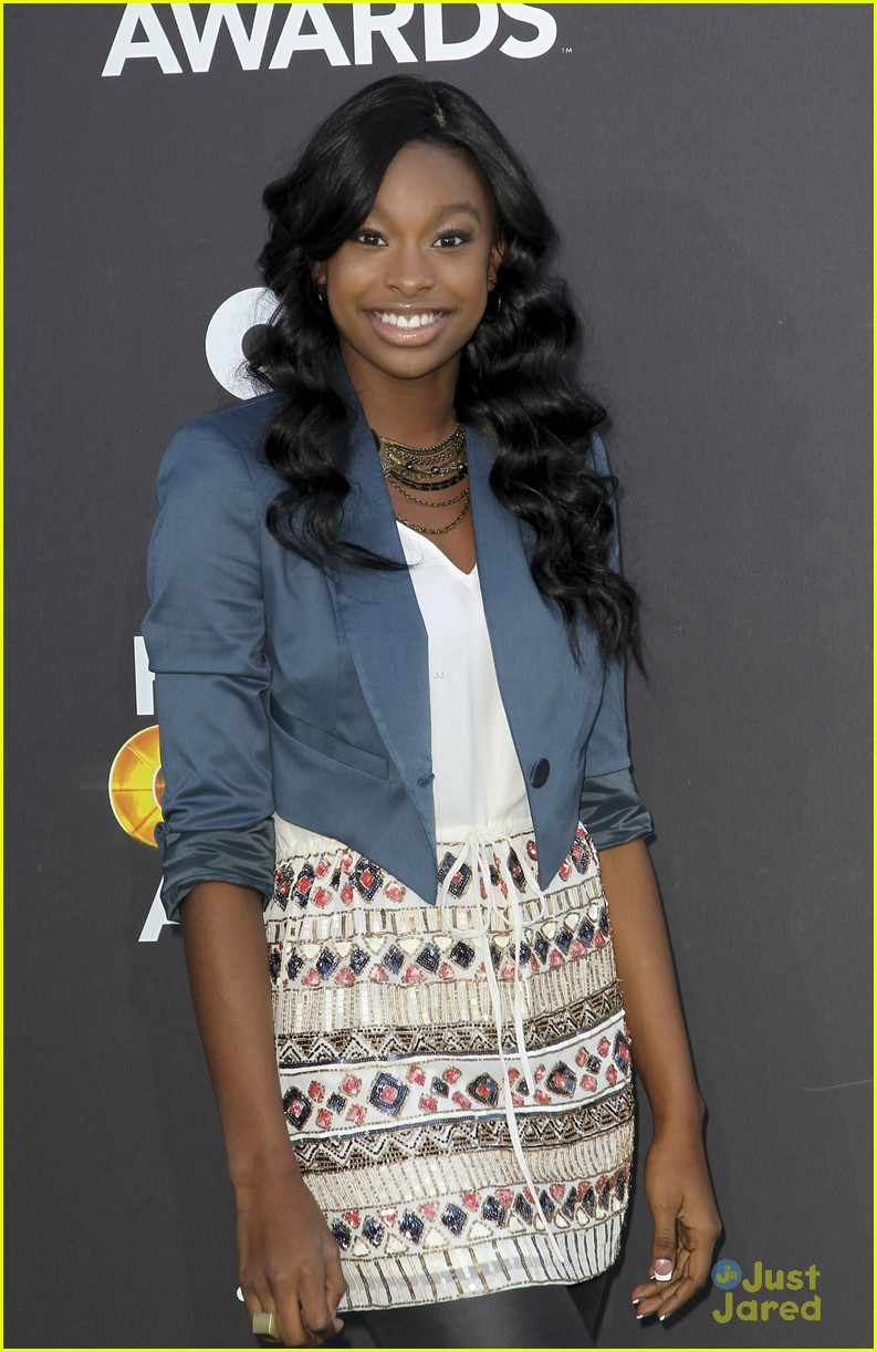 bridgit mendler coco jones hall game awards 04