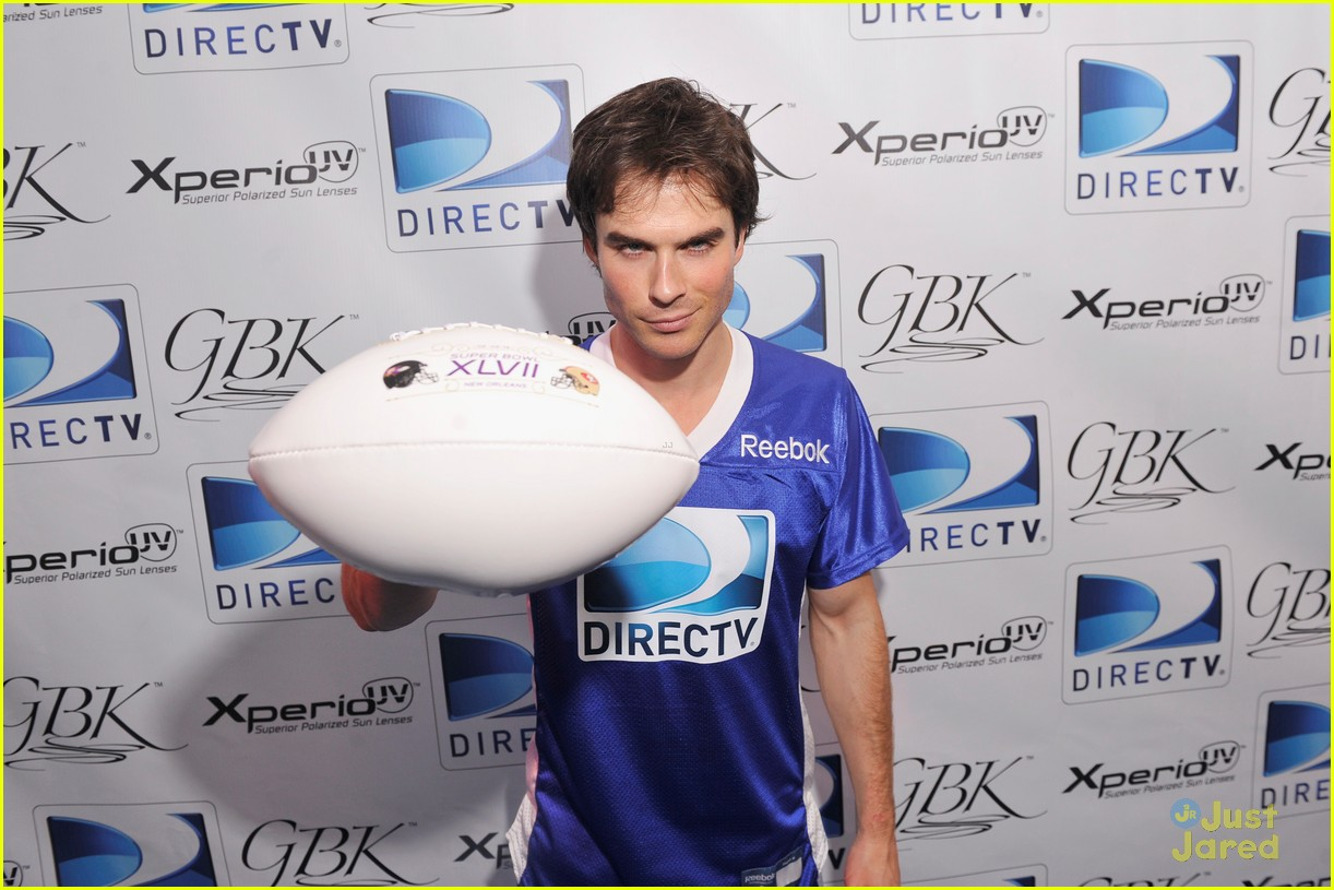 nina dobrev ian somerhalder directv celeb game 01