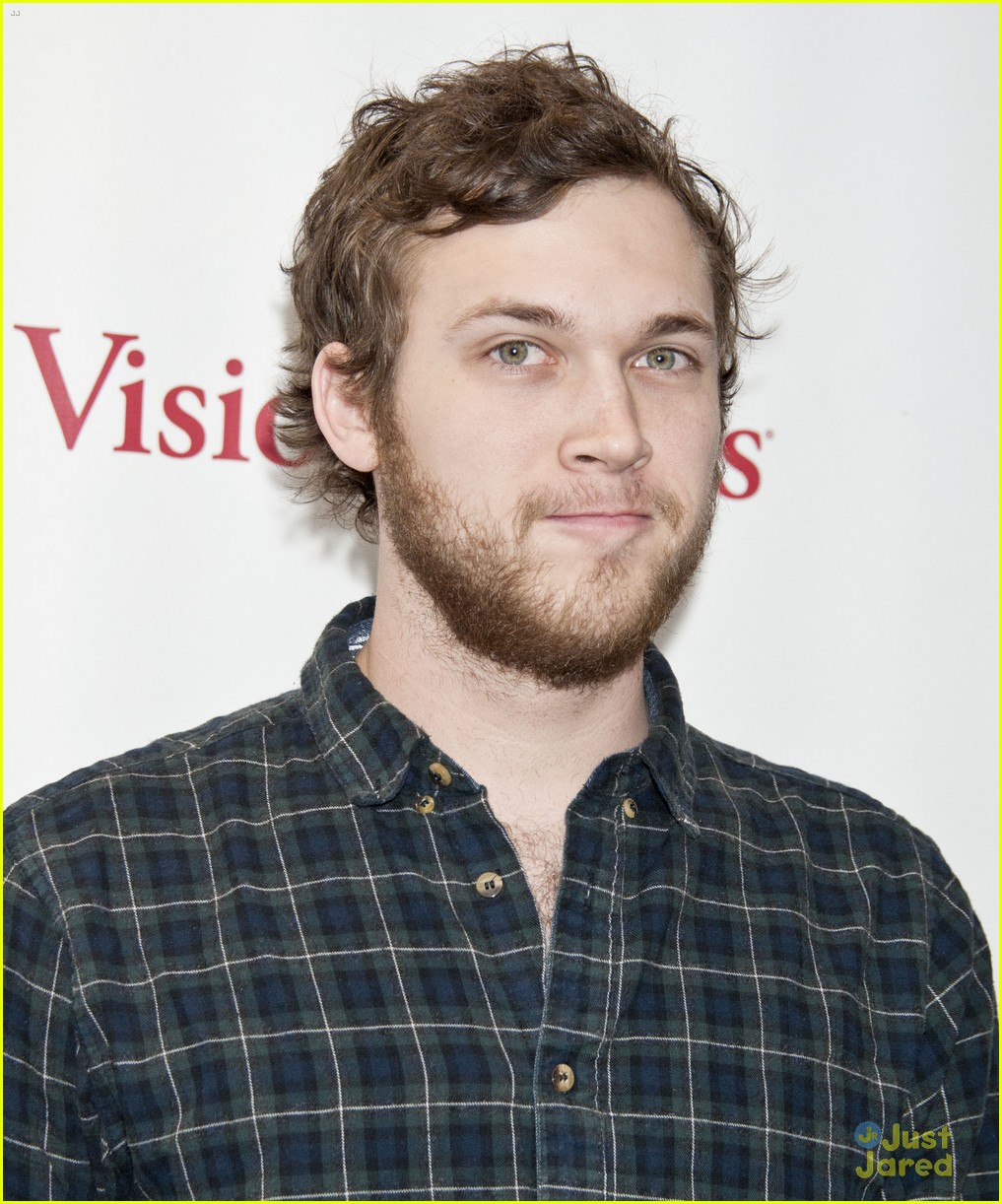 phillip phillips big fan of the walking dead 03