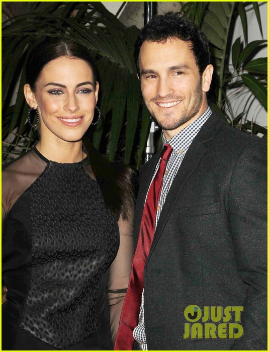 jackson rathbone jessica lowndes post grammys party 05