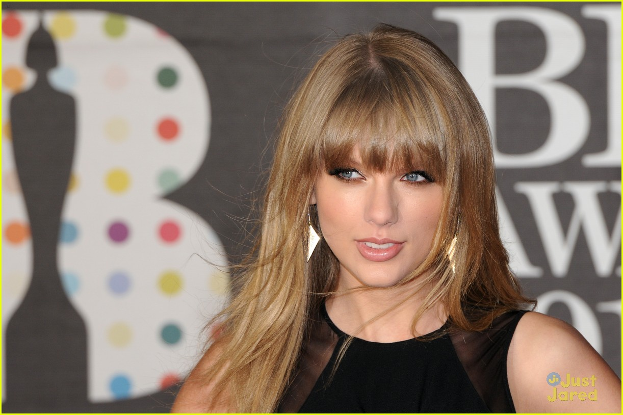 taylor swift brit awards 03