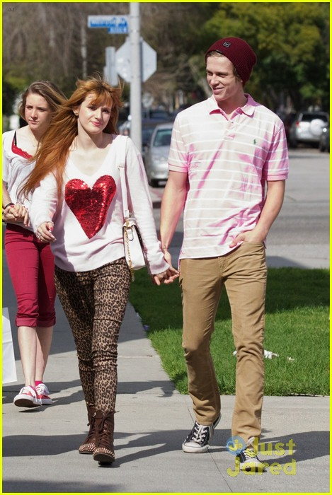 bella thorne tristan klier duffs cakemix couple 03