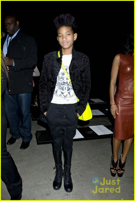 willow smith narciso rodriguez show with om jada 01