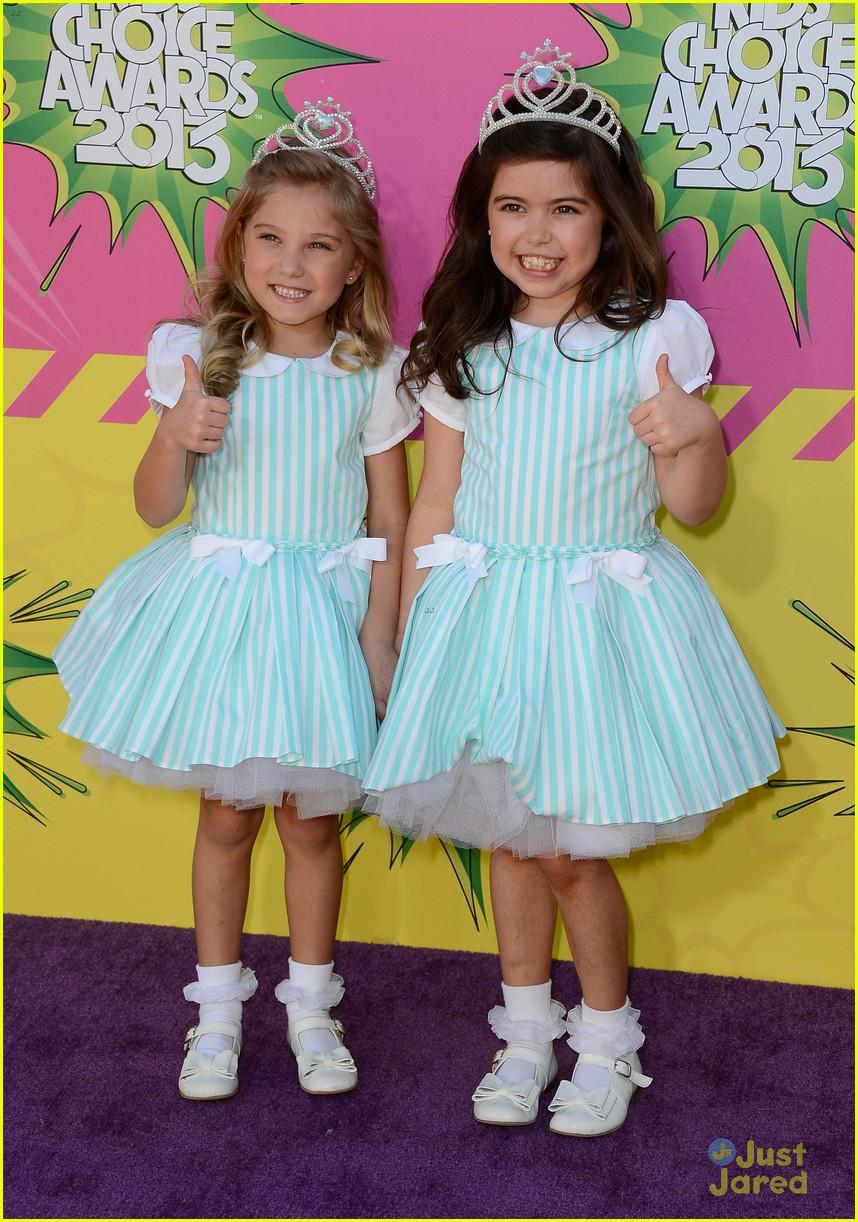 sophia grace rosie kids choice awards 2013 red carpet 01