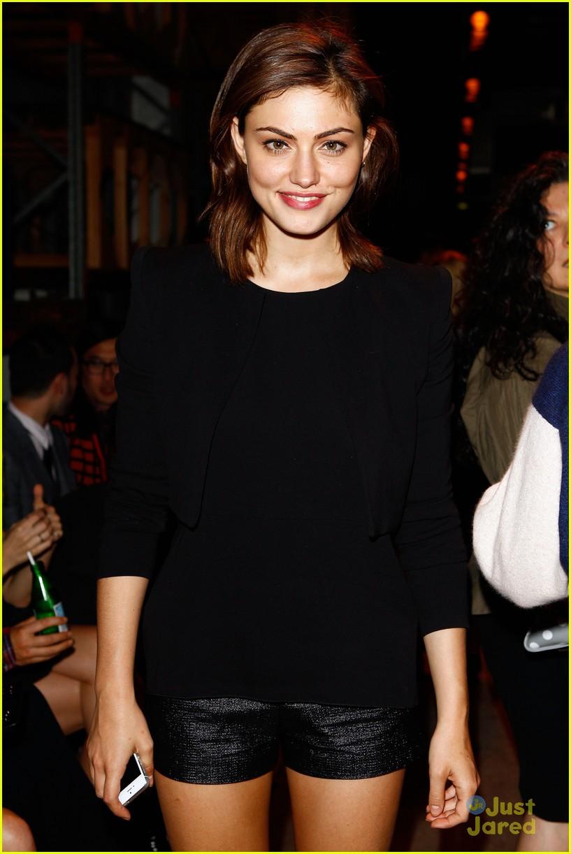 Phoebe Tonkin fashion