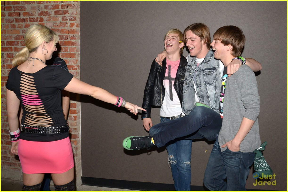 R5 pose backstage before their concert at The Paramount on Friday