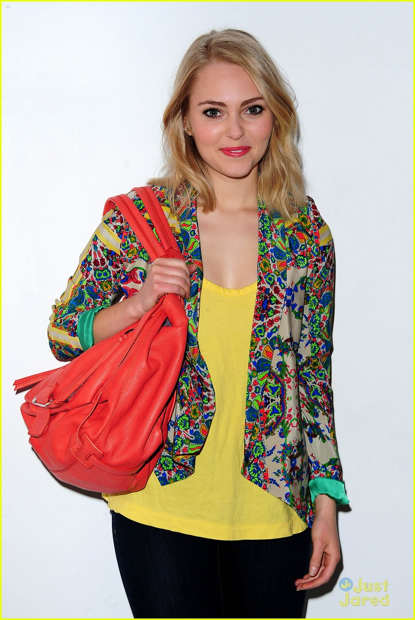 annasophia robb carrie hair 12