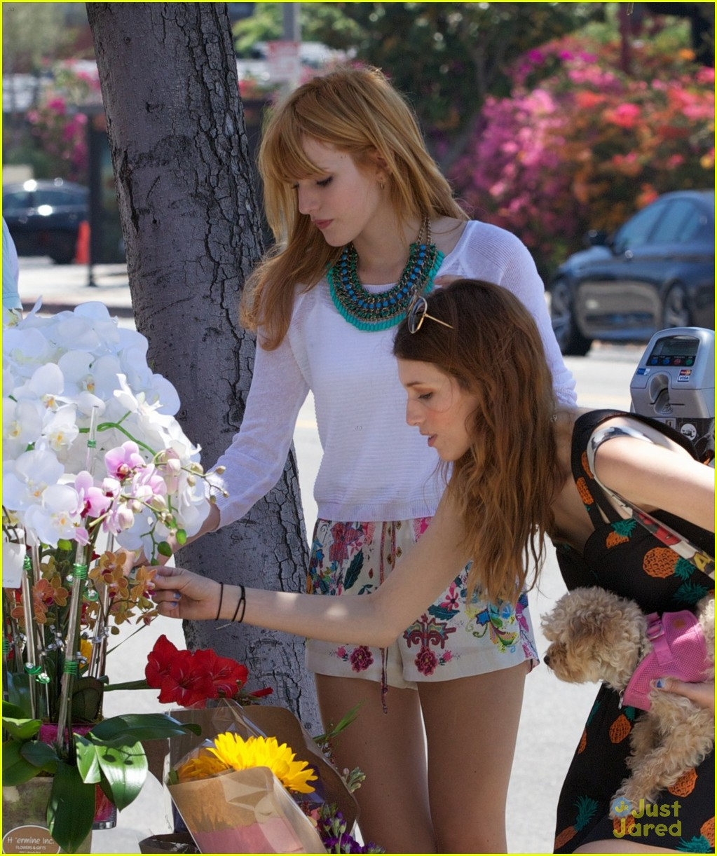 bella thorne girls life cover flowers 04