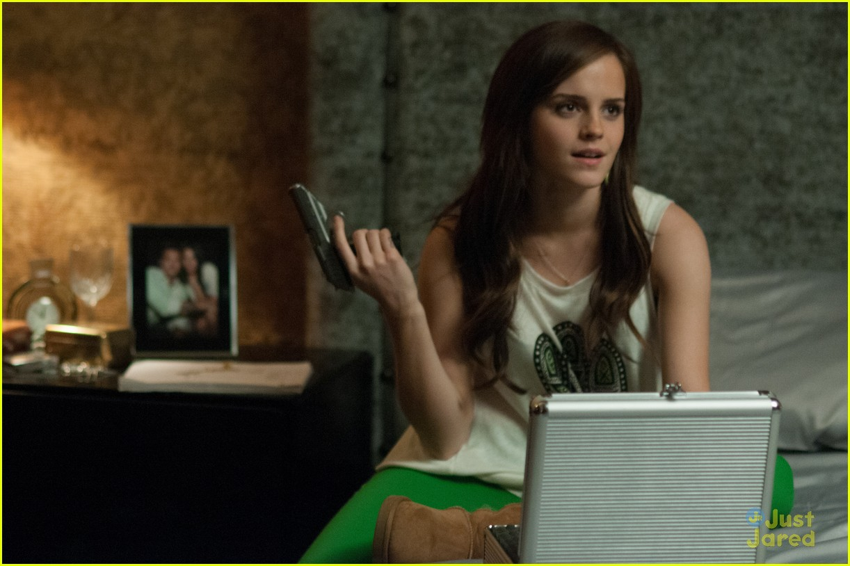 bling ring final poster stills 08